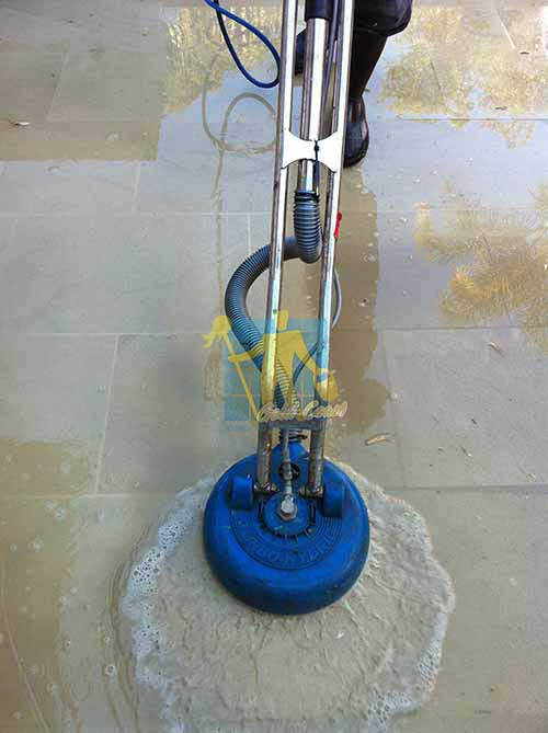 stone cleaning machine